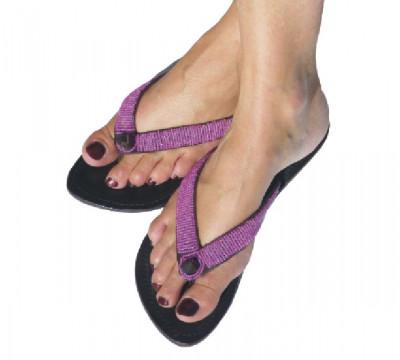 tongs femmes en cuir sandals accessoires de mode femme sandales en. Black Bedroom Furniture Sets. Home Design Ideas