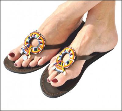 tong sandale ethnique sandales en cuir femmes tongs. Black Bedroom Furniture Sets. Home Design Ideas